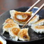 居心地の良い店内で日本酒と餃子を味わおう「真夜中のバル」